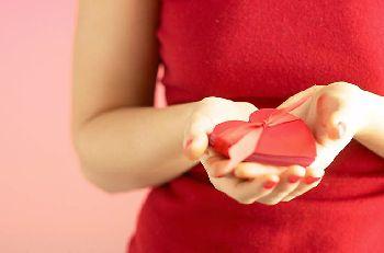 kreative Geschenke kleine Aufmerksamkeiten Frau Herz